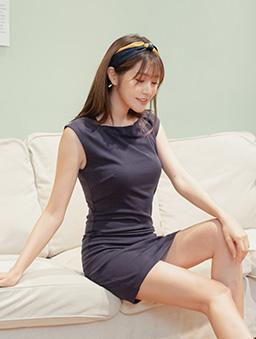 簡約性感多色方領顯瘦修身洋裝-深藍