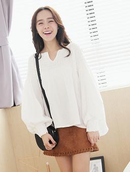 鬆緊抽繩甜美長袖棉麻衫-白色
