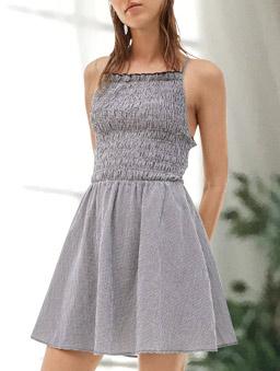 露背打褶上身格紋洋裝-XS.S-黑白
